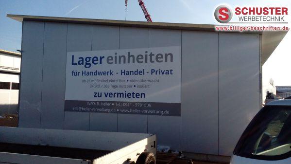 Firmenschild gefertigt aus einer Aluverbundplatte mit einer Beschriftung aus Hochleistungsfolie, Kunde: www.heller-verwaltung.de
