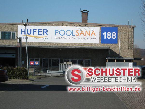 Firmenschild mit Digitaldruck, der Firma Hufer - Poolsana in Nürnberg