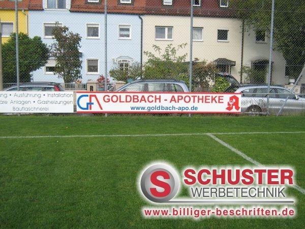Fussballbande mit Werbung der Goldbach-Apotheke